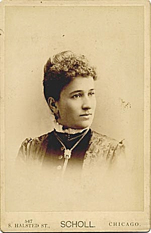 Antique Photo Woman Portrait (Image1)