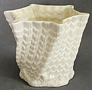 Irish Belleek Octagon Flower Pot (Image1)