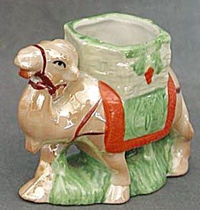 Vintage Luster Camel Planter Figurine (Image1)