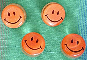 Vintage Smiley Face Thumbtacks (Image1)
