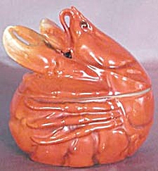 Royal Bayreuth Red Lobster Covered Bowl (Image1)