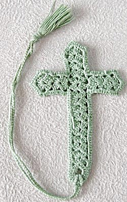Vintage Crocheted Cross Bookmark (Image1)