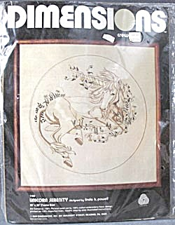 Vintage Unicorn Crewel Kit (Image1)