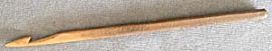 "Vintage 5 5/8"" Wooden Crochet Hook (Image1)"
