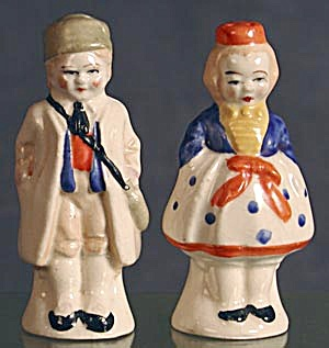 Vintage Couple: China Salt & Pepper Shakers (Image1)