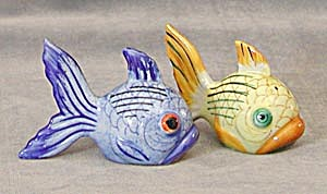 Vintage Blue and Yellow Fish Salt & Pepper Shaker (Image1)