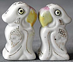 Vintage Parrot Salt & Pepper Shakers (Image1)