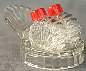 Vintage Clear Glass Salt & Pepper Shakers With Tray (Image1)