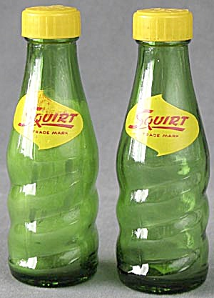 Vintage Squirt Salt & Pepper Shakers (Image1)