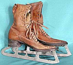 Vintage Ladies Ice Skates (Image1)