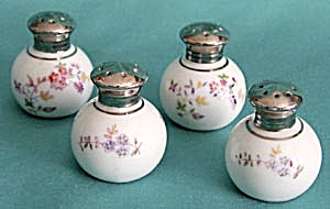 Vintage White China Flower Salt & Pepper Shakers (Image1)