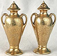 Vintage Stouffer Gold Salt and Pepper Shakers (Image1)