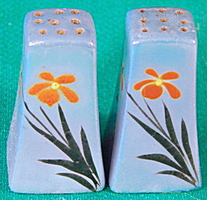 Vintage Daisy Blue Luster Salt & Pepper Shakers