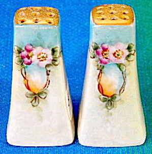 Vintage Flower Luster Salt & Pepper Shakers
