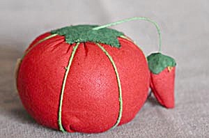 "Vintage 2"" Tomato Pin Cushion With Strawberry Shar"