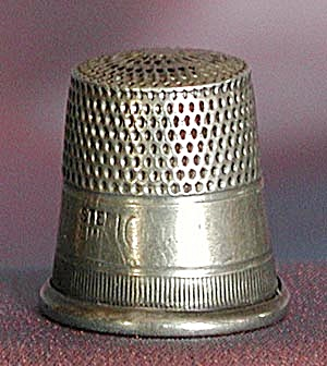 Vintage Sterling Thimble Size 10 (Image1)