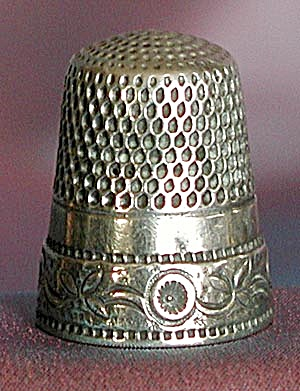 Vintage Sterling Thimble Embossed with Flowers (Image1)