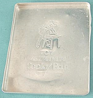 Vintage Child's Aluminum Toy Bakeware Pan (Image1)
