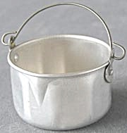 Vintage Child's Aluminum Toy pot (Image1)