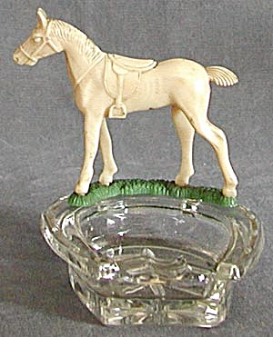 Vintage Horseshoe and Horse Ashtrays (Image1)