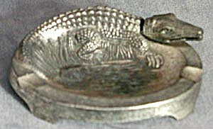 Vintage Japanese Nodder Crocodile Ashtray (Image1)