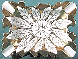 Vintage White & Gold Ashtray (Image1)