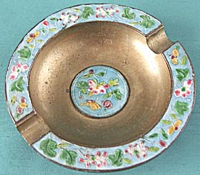 Vintage Brass and Enamel Ashtray (Image1)