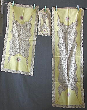 Vintage Petite Point Roses And Lace 3 Piece Dresser Set