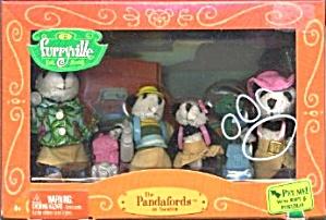 Furryville Pandafords on Vacation Panda Family  (Image1)