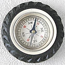 Vintage Rubber Tire Compass (Image1)