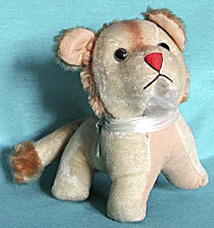 Vintage Plush Lion (Image1)