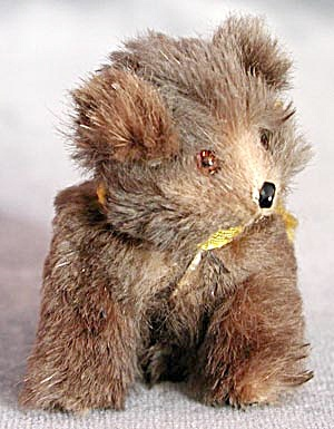 Vintage Tiny Fur Bear with Glass Eyes (Image1)