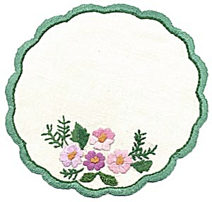Vintage Set of 6 Embroidered Floral Doilies (Image1)
