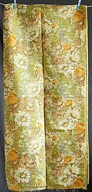 Vintage Floral Fabric (Image1)