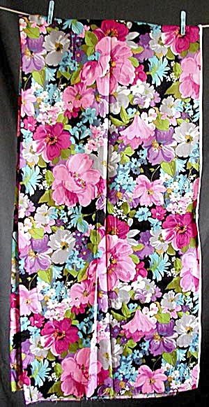 Vintage Synthetic Floral Fabric (Image1)