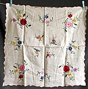 Vintage Embroidered Tablecloth (Image1)