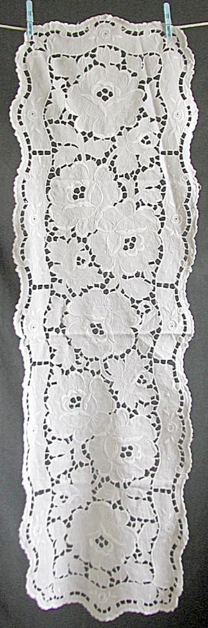 Vintage White Rose Runner