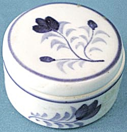 Vintage Tiny China Round Box (Image1)