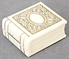 Vintage Art Deco Ivory Colored Embossed Ring Box (Image1)