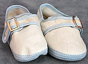 Vintage White & Blue Cloth Baby Shoes (Image1)