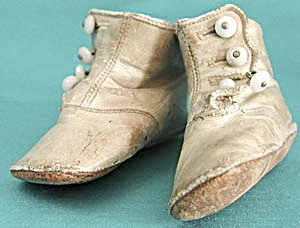 Antique White Leather 4 Button Baby Shoes (Image1)