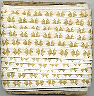 Vintage Gold & White Embroidered Trim (Image1)