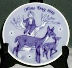 Click here to enlarge image and see more about item CDCP11: Doe & Fawn Porsgrund Mother's Day Plate