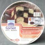 Click here to enlarge image and see more about item KCVMO25: Checkerboard Cake Pan