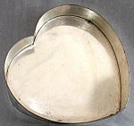 Click here to enlarge image and see more about item KGEN66: Vintage Huge Heart Cake Pan