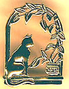 **CAT in WINDOW PIN - Antique Gold Finish** (Image1)