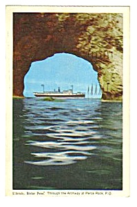 1955 Through the Archway @ Perc� Rock, Quebec Postcard (Image1)