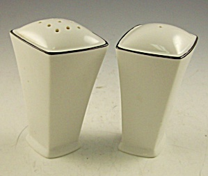 Art Deco White And Black Salt Pepper Shakers