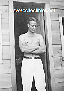 1930s HANDSOME Shirtless Man Doorway Photo-GAY INTEREST (Image1)