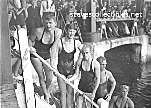 1930s MORE WET PHYSIQUES - Male Swimmers Photo-GAY INT. (Image1)